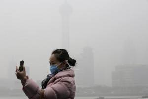 "All week, the pollution level in Shanghai hovered at ""heavily"" and ""severely"" polluted, according to Shanghai's Air Quality Index, at up to 31 times the recommended levels."
