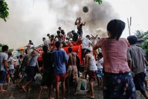 Burma rakhine-fire-water_2245212k