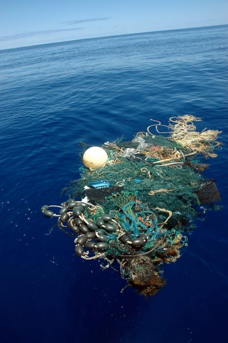 Aug. 11, 2009. Scripps Institution of Oceanography .  A patch of sea garbage at sea in the Pacific Ocean. ( Mario Aguilera/ AP)